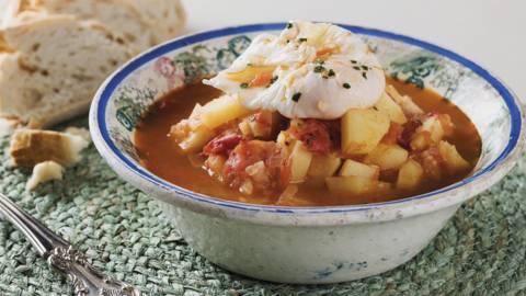 Receita Vegetariana - Sopa de Tomate com Ovos Escalfados