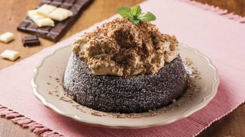 Receita Monsieur Cuisine - Bolo de Chocolate com Mousse Moka