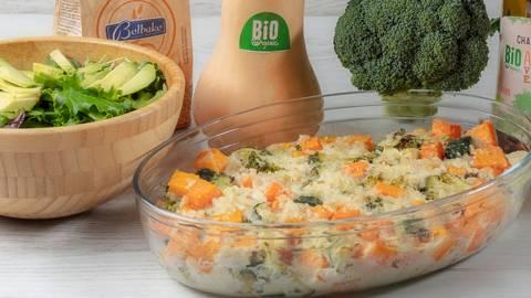 Receita Low Carb - Gratinado de Peixe e Legumes com Salada de Alface e Abacate