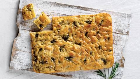 Receita Monsieur Cuisine - Foccacia com Alecrim e Flor de Sal