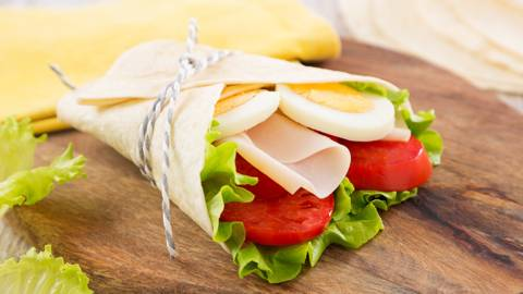 Receita Sem Lactose - Wrap de Ovo Cozido, Fiambre de Aves e Salada