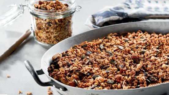 Receita Monsieur Cuisine - Granola de Quinoa, Laranja, Abóbora e Amêndoas