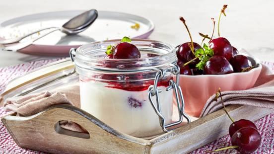 Receita Vegetariana - Mousse de Queijo Quark com Cerejas
