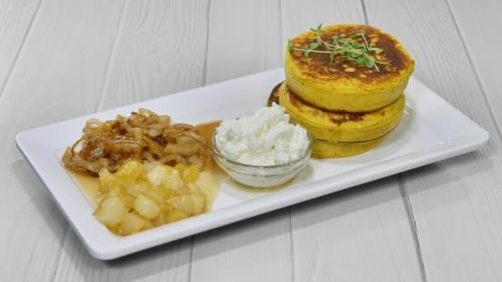 Receita Panquecas Salgadas com Pêra, Cebola Caramelizada e Requeijão | Cooking Classes