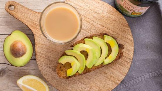 Receita Vegan - Pão Torrado com Azeite, Abacate e Sumo de Limão