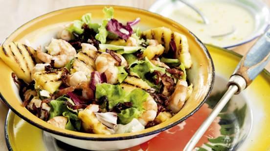 Salada de Camarão com Abacaxi e Vinagrete de Mostarda