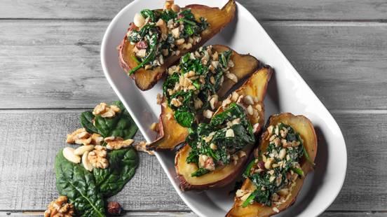Receita Paleo - Batata Doce Recheada com Espinafres e Frutos Secos | Cooking Classes