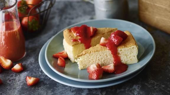 Cheesecake japonês com morango