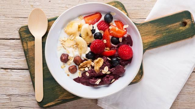 Receita Vegetariana - Taça com Açaí e Frutos Vermelhos