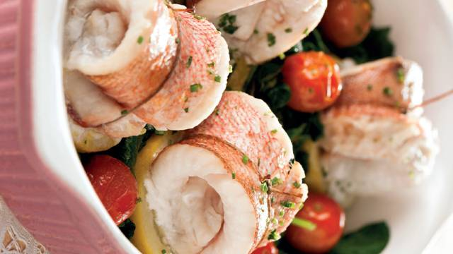 Rolinhos de red fish no forno