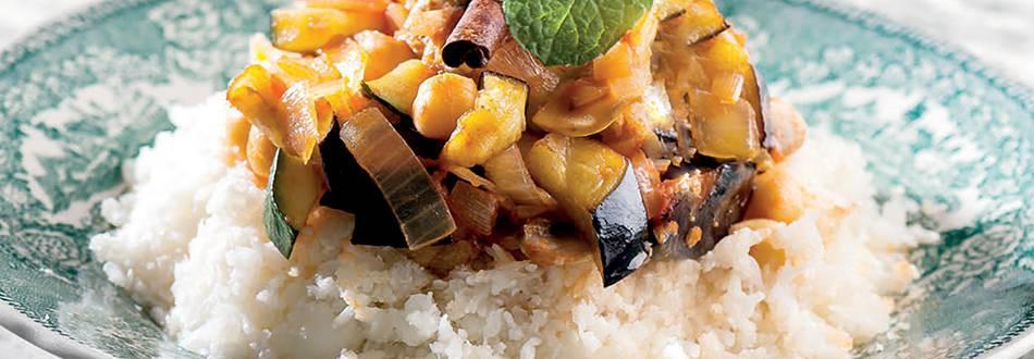 Cuscus fingido com legumes