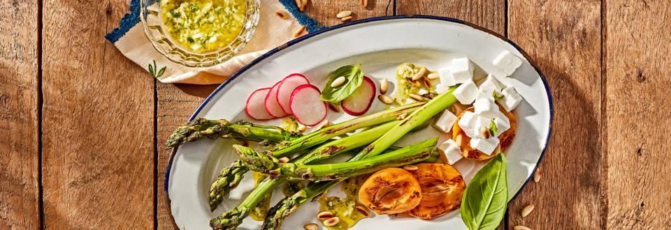 Receita Vegetariana - Espargos Verdes Grelhados com Nêsperas