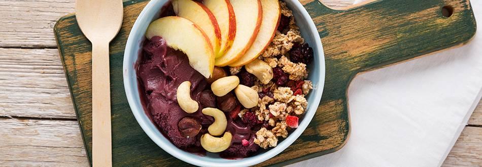 Receita Vegan - Bowl de Açaí com Muesli Bio, Fruta e Frutos Secos