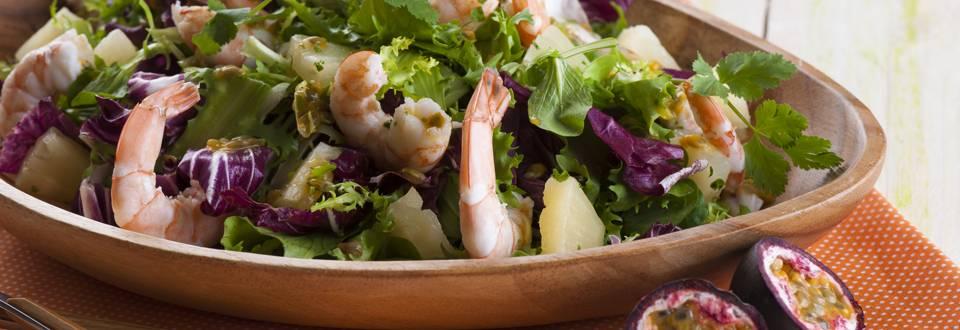 Salada Gourmet com Gambas e Ananás