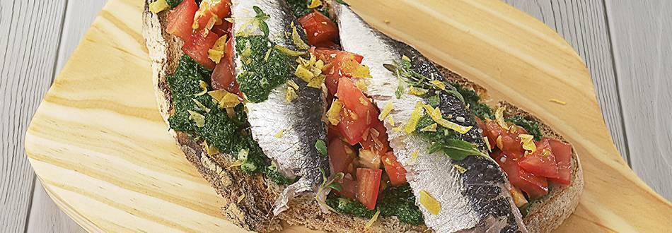 Bruschetta de Sardinha com Molho Verde | Cooking Classes
